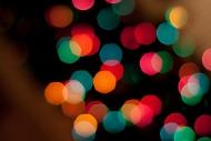 1024px-Christmas_bokeh.jpg