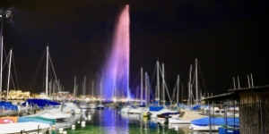 The Jet d'eau, the landmark of Geneva where UICC is headquartered, illuminated in the colour of World Cancer Day